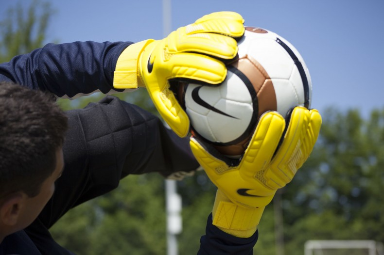 Choosing Ideal Sports Gloves